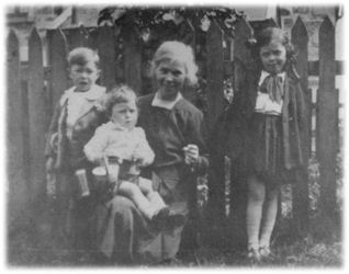 Margaret Helen Pirie née Cheyne, with Ian, William and Rachel Pirie